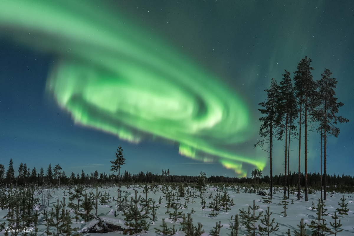An aurora spiral