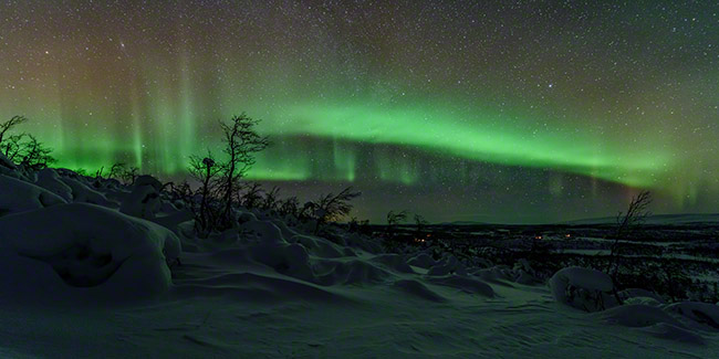 Auroras without moonlight