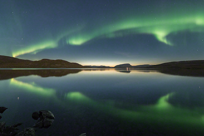 Mirror northern lights