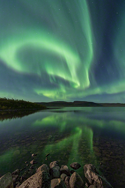 Lovely aurora reflections