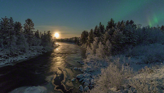 Moonset, river, winter, auroras