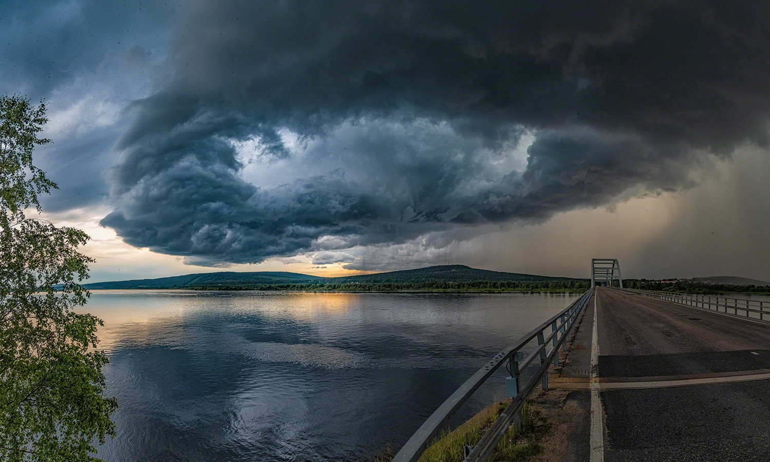 Thunderstorm cloud in Lapland